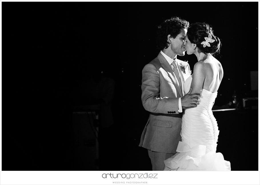 36-fotografias-boda-acapulco-vals-primer-baile-novios