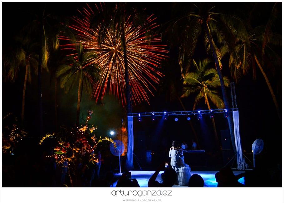 38-fotografias-boda-acapulco-fuegos-artificiales