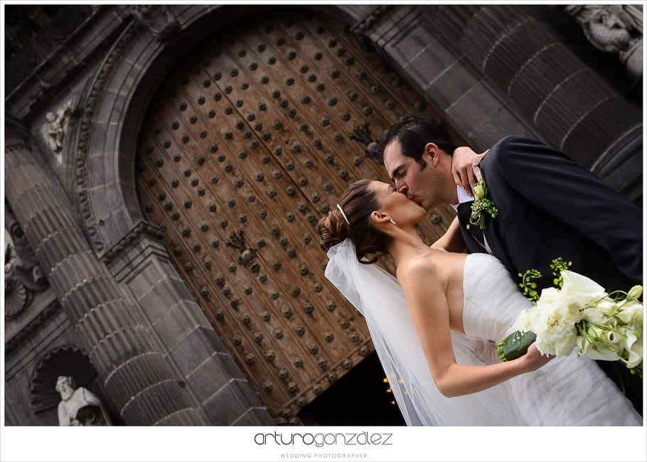 mexico-wedding-photographer-hacienda-san-jose-actipan-catedral-puebla-42