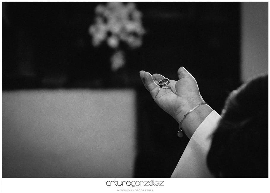 15-anillos-blanco-negro-fotografos-boda-puebla
