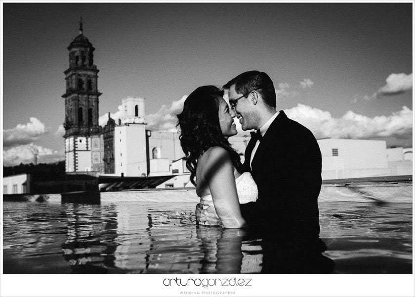 wedding-photographer-puebla-mexico-trash-the-dress-la-purifcadora-arturo-gonzalez-barrio-del-artista-los-sapos-13