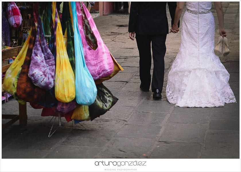 wedding-photographer-puebla-mexico-trash-the-dress-la-purifcadora-arturo-gonzalez-barrio-del-artista-los-sapos-3