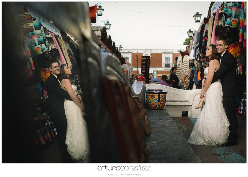 wedding-photographer-puebla-mexico-trash-the-dress-la-purifcadora-arturo-gonzalez-barrio-del-artista-los-sapos-6