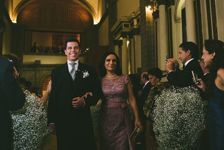fotografias-de-bodas-en-ciudad-de-mexico-club-de-banqueros-st-regis-043