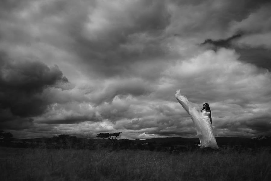 trash-the-dress-prismas-basalticos-peña-del-aire-fotografias-de-boda-02