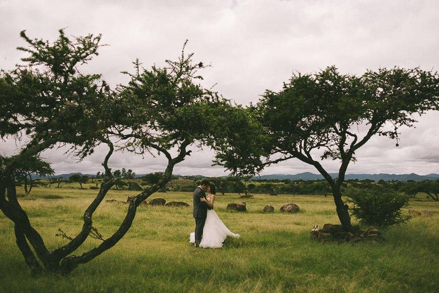trash-the-dress-prismas-basalticos-peña-del-aire-fotografias-de-boda-04