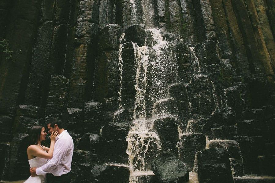 trash-the-dress-prismas-basalticos-peña-del-aire-fotografias-de-boda-15