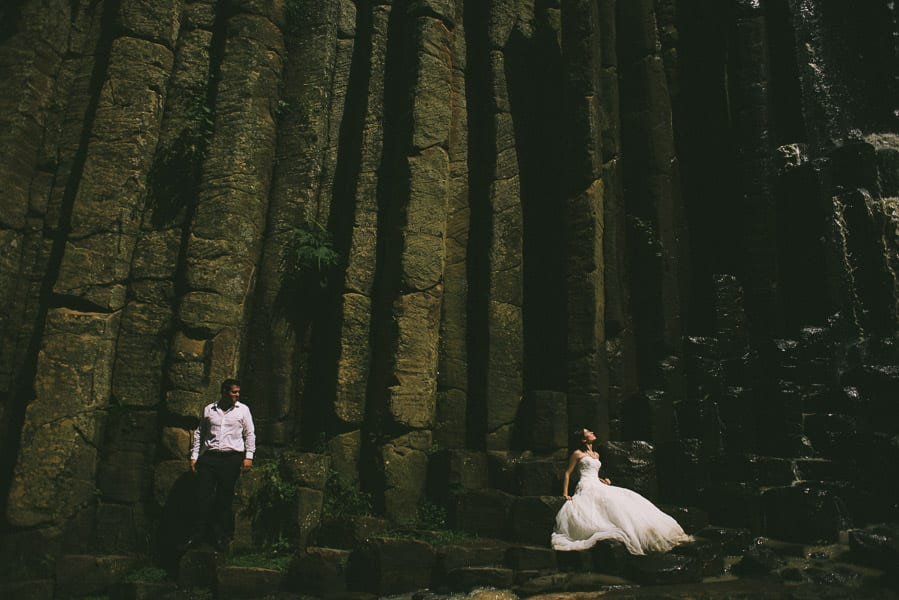 trash-the-dress-prismas-basalticos-peña-del-aire-fotografias-de-boda-17