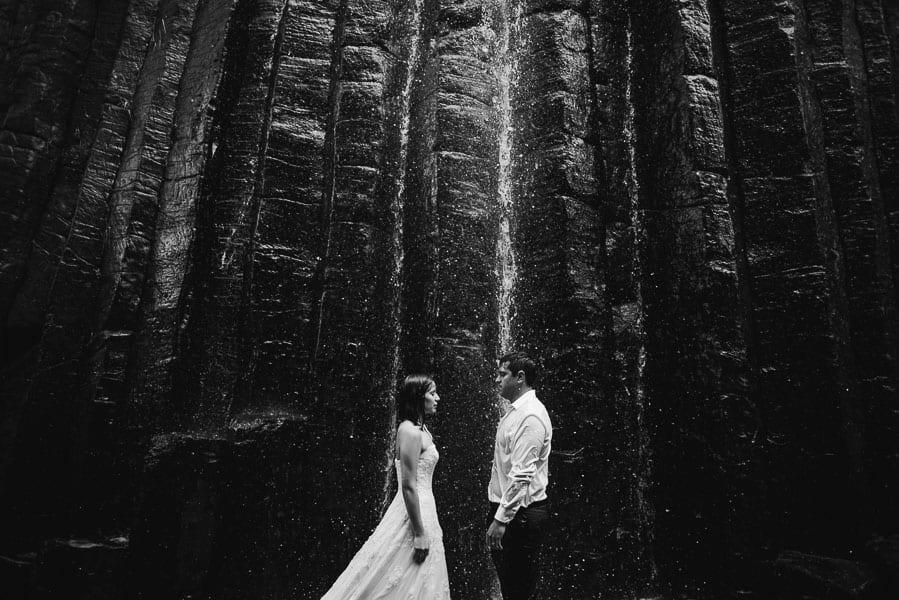trash-the-dress-prismas-basalticos-peña-del-aire-fotografias-de-boda-18