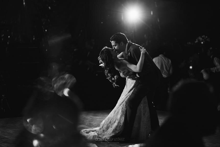 fotografias-de-boda-en-santa-fe-ciudad-de-mexico-jardin-los-cedros-76