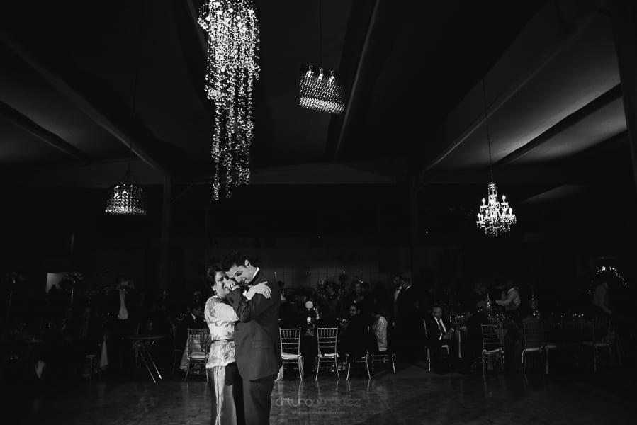 fotografias-de-boda-en-santa-fe-ciudad-de-mexico-jardin-los-cedros-79
